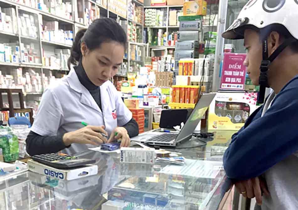 Ảnh minh hoạ khó khăn khi mua bán thuốc.